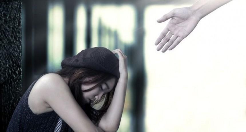 3 consejos inútiles que nunca debes decir a una persona que sufre