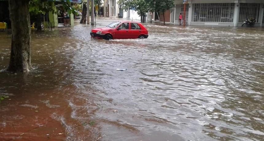 Villa Mercedes: llegó la lluvia y provocó caídas de postes,inundaciones y voladuras de techos