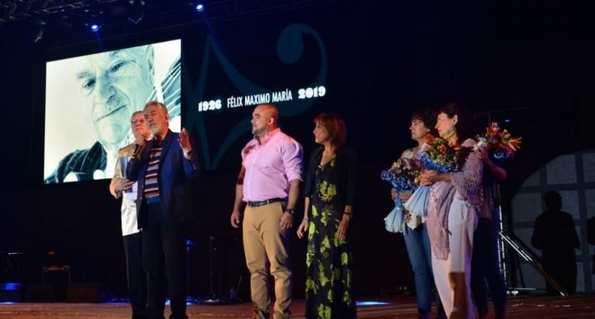 El gobernador participó de la primera noche de la Fiesta Nacional de la Calle Angosta