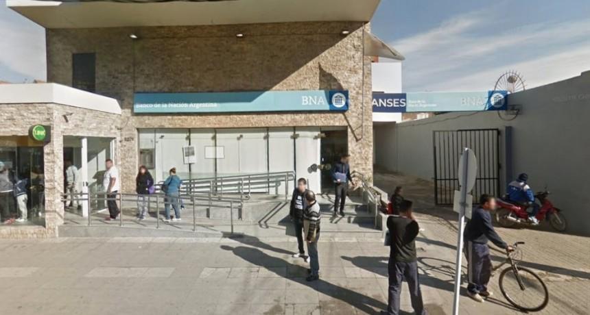 Mataron a un cajero del Banco Nación en un millonario robo