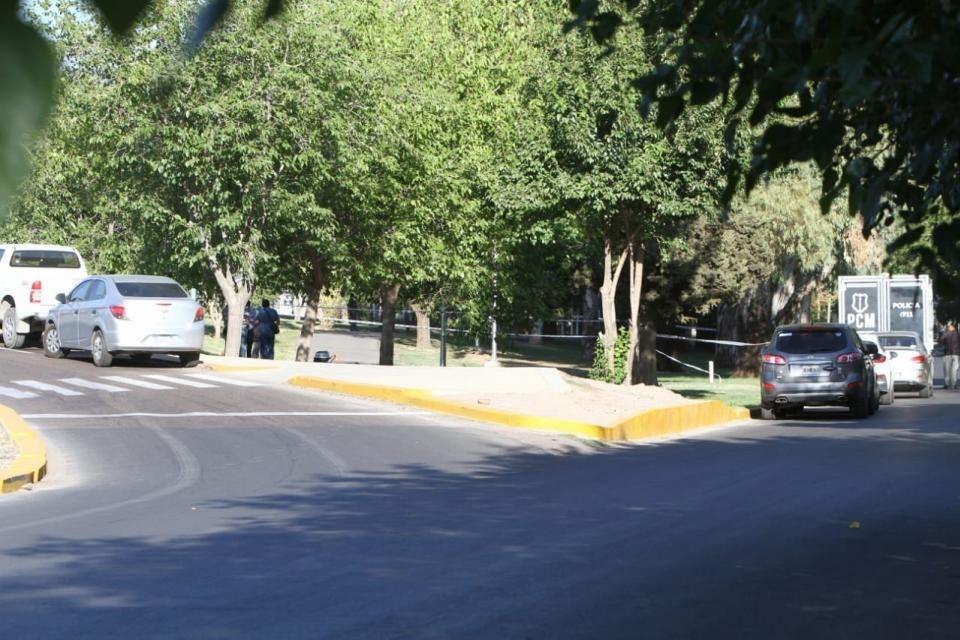 Investigan femicidio en Mendoza: hallan el cuerpo semidesnudo de una joven