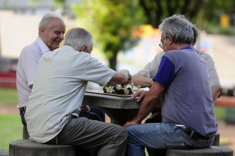 La mayor parte de los fondos del impuesto a la compra de dólares serán para los jubilados y la ANSES