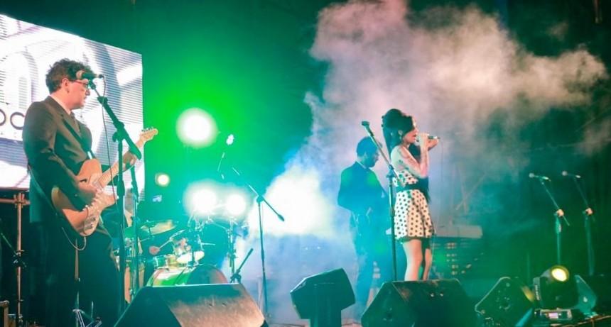 """La primera jornada del """"Pre Rock en la Casa"""" convocó a cientos de espectadores"""
