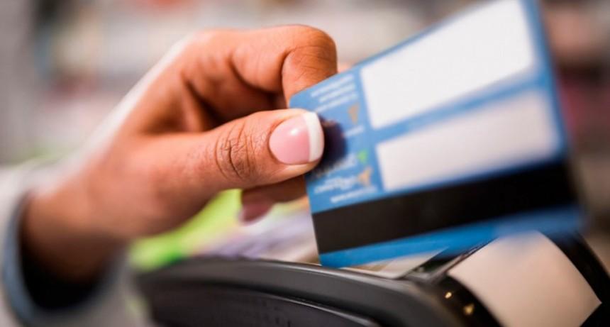 El Banco Central limitará las tasas que se cobran por saldos en tarjetas de crédito