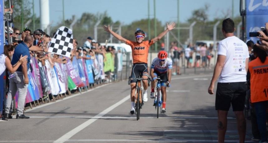 Vuelta del Porvenir: Sergio Fredes se quedó con la primera etapa