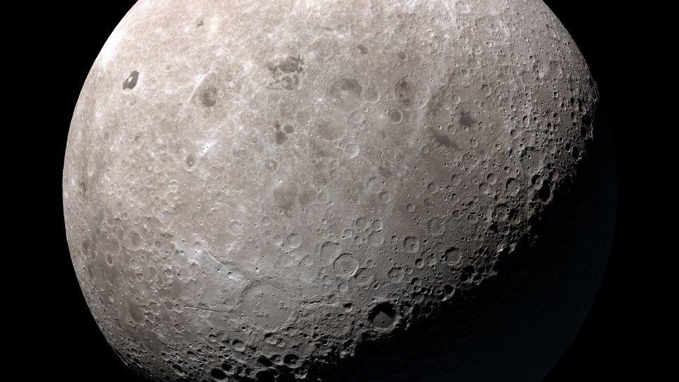 ¿Descubren gente viviendo en la Luna?