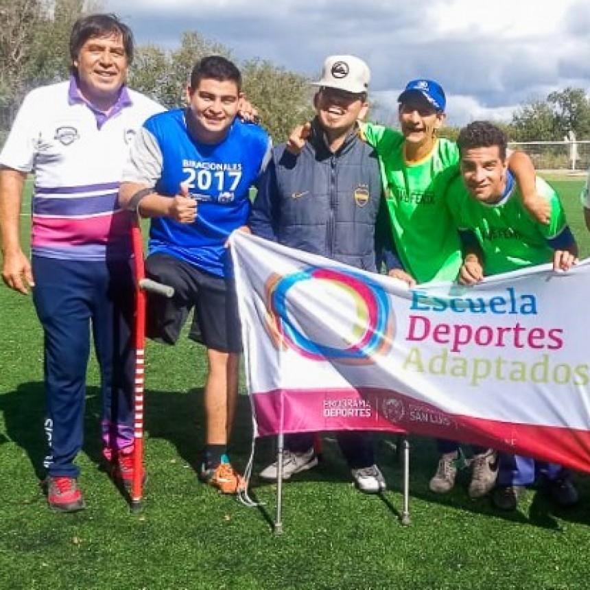 """La Escuela de Deporte Adaptado inició sus clases en el histórico """"Ave Fénix"""""""