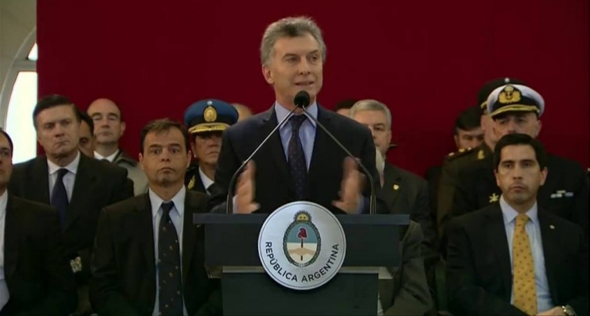 Macri entregó equipamiento militar al Ejército Argentino para reforzar la lucha contra el narcotráfico en la frontera norte