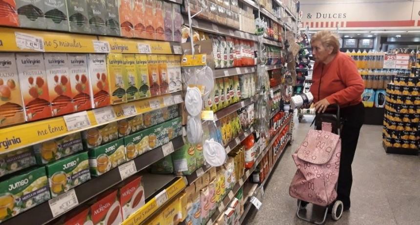 Supermercados remarcaron hasta el 15% sus precios