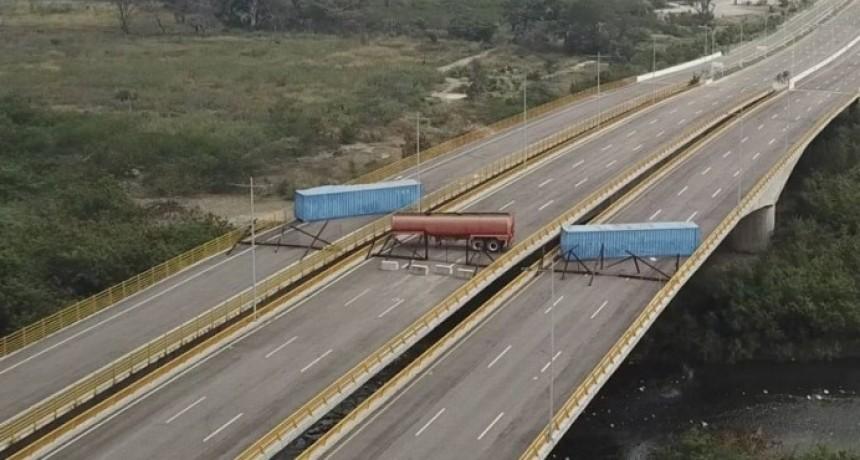 Las imágenes aéreas del bloqueo que impuso el régimen de Nicolás Maduro en la frontera con Colombia