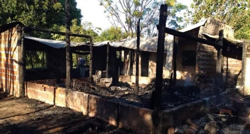Mueren una mujer y sus cinco hijos al incendiarse su casa en Corrientes
