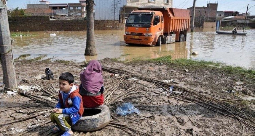 Devastadoras inundaciones en Irán: al menos 17 muertos y más de 100 heridos