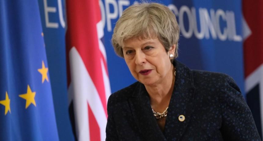 Theresa May ofreció su renuncia a cambio de que el Parlamento apruebe su acuerdo con la UE para el Brexit
