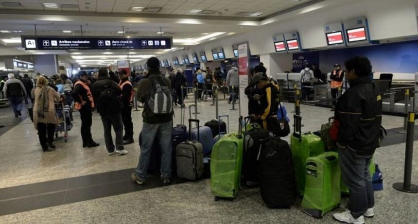 Desde este lunes Aeroparque solo operará vuelos de cabotaje y a Uruguay