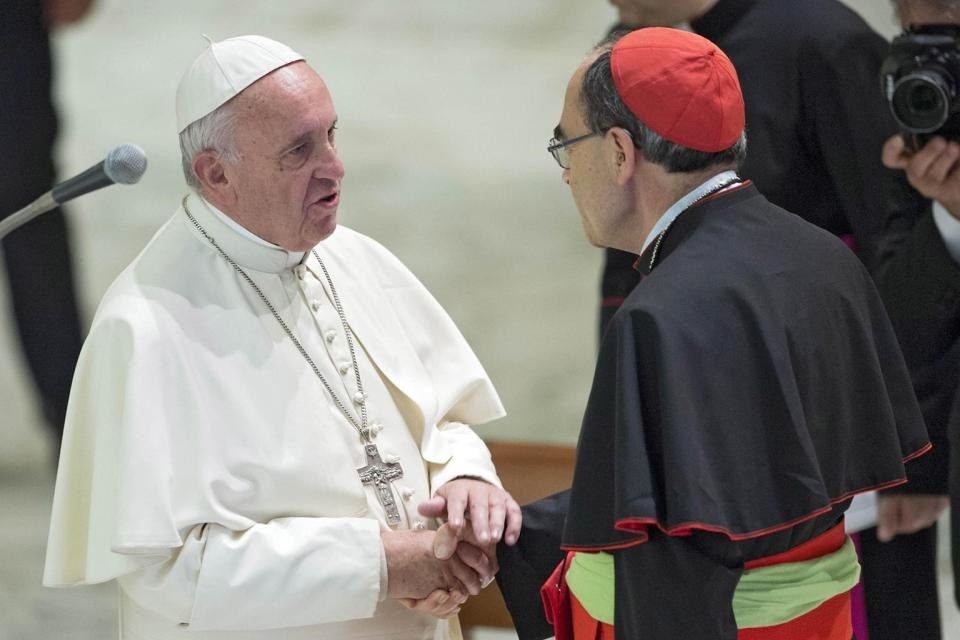 El Papa aceptó la renuncia del arzobispo de Lyon