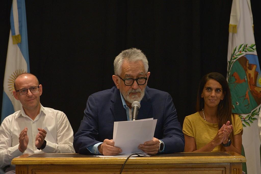 El gobernador otorgó un aumento salarial del 40 % para la administración pública, recategorizaciones y más beneficios para los planes sociales