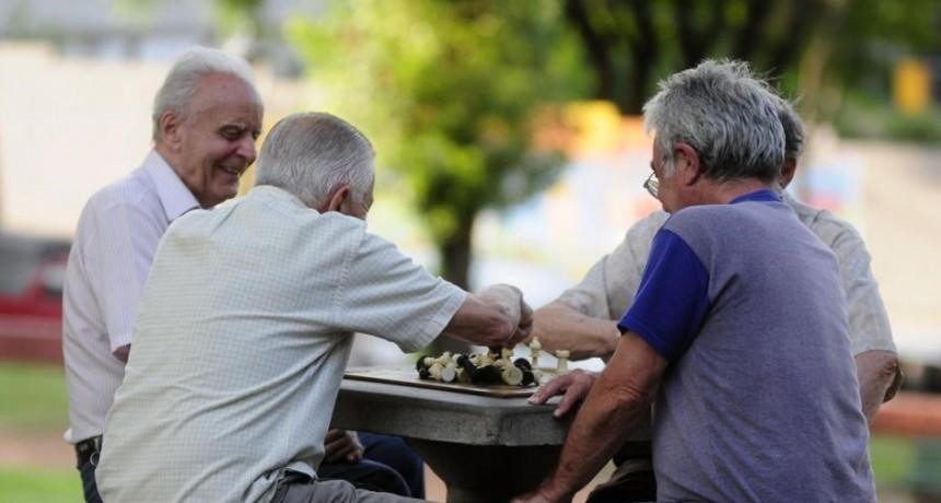 Devolución del 15% a jubilados y beneficiarios de AUH: quiénes pueden acceder y cuáles son los cambios