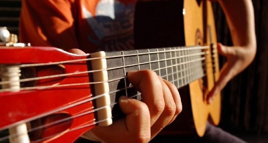 Taller de guitarra a cargo de Lucas Apendino