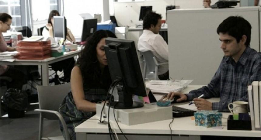 Coronavirus: el Gobierno desmintió una información falsa sobre licencias en el sector público