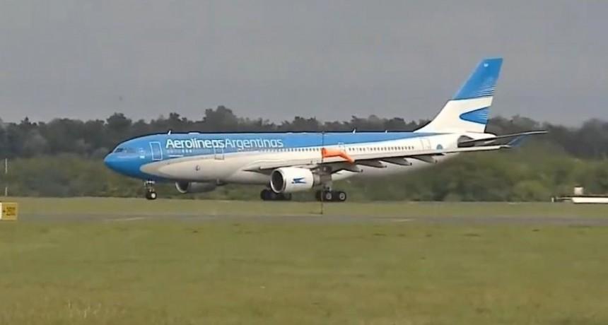 Partió el primer avión de Aerolíneas Argentinas para traer argentinos varados en el exterior