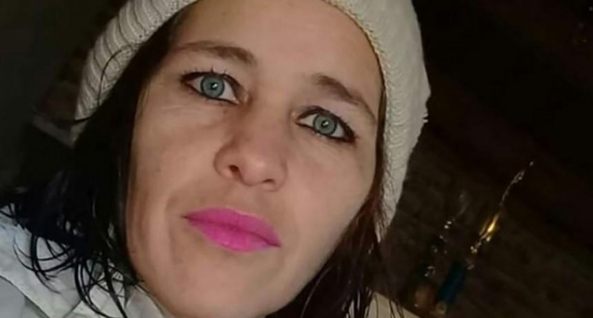 Prendió fuego la casa de su ex y casi la mata: tiene el 80% de su cuerpo quemado