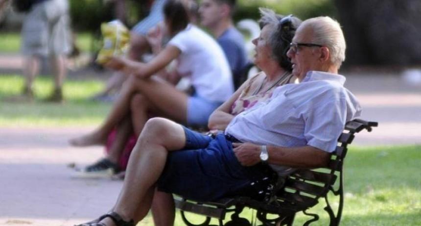 Jubilados: por turnos y por número final del DNI pasarían a cobrar en efectivo