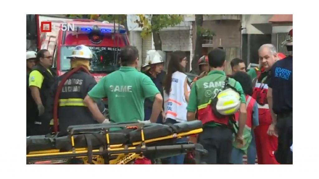 Se desplomó una vivienda y un supermercado en San Cristóbal: murió un joven