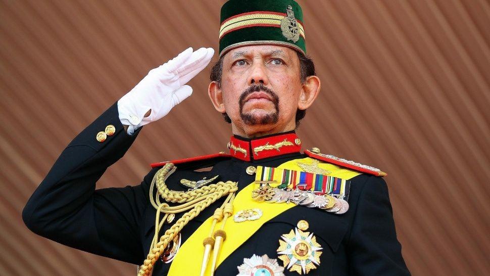 Brunéi aprobó la pena de muerte por lapidación contra gays y adúlteros