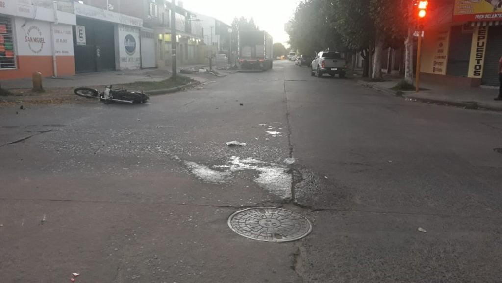 Villa Mercedes: accidente vial entre una moto y una camioneta