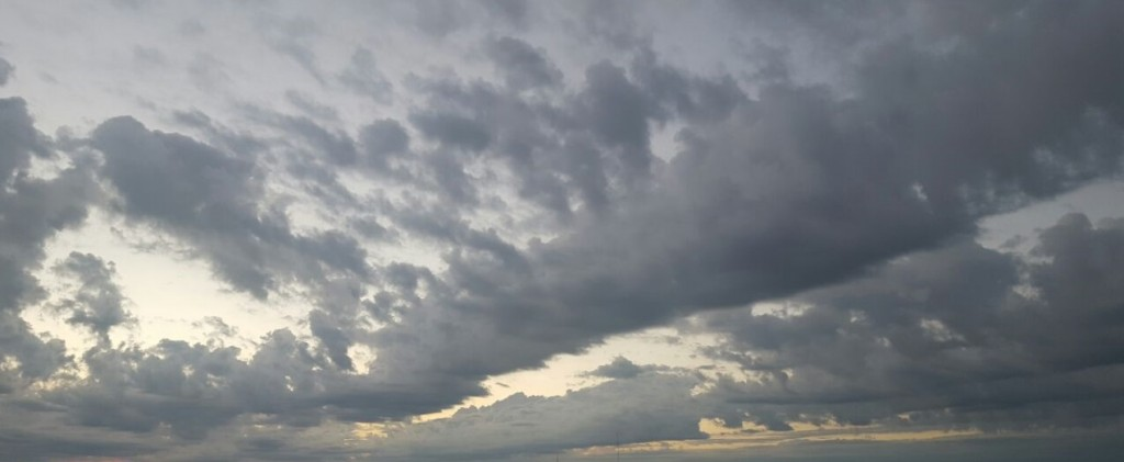 Mañana fresca con probables precipitaciones