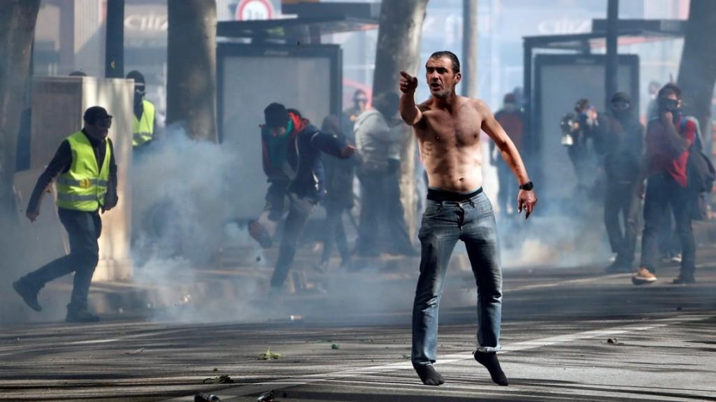 Tensión en París tras el desastre de Notre Dame: alerta por la aparición de