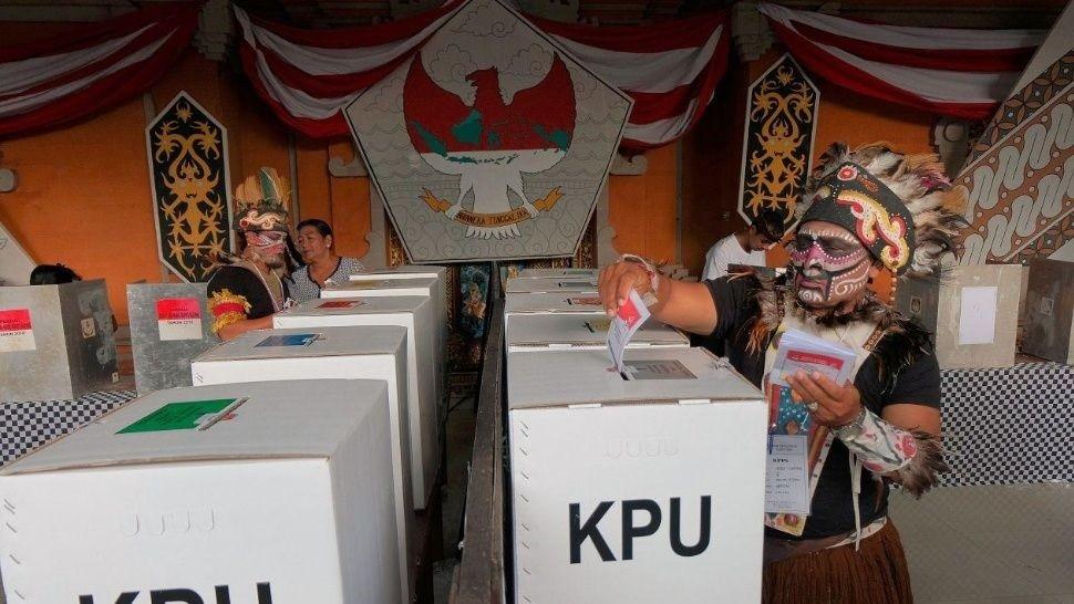 Murieron 92 personas en agotador escrutinio en Indonesia