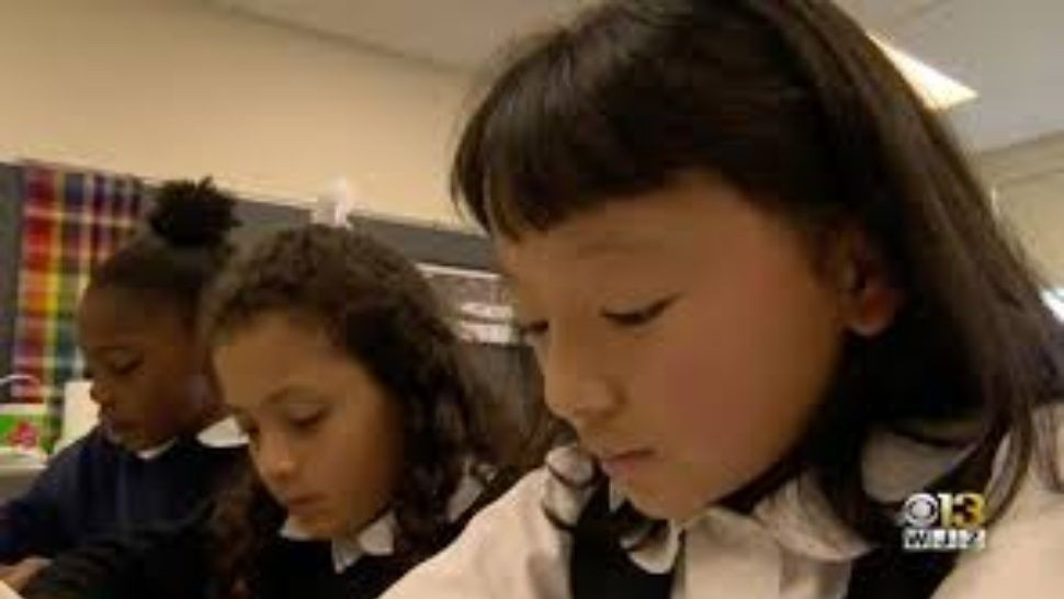 Conmovedor: nena sin manos ganó concurso de escritura