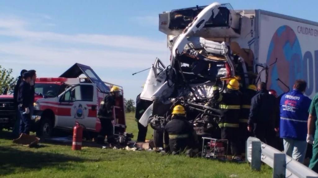 San Luis: una persona falleció tras un choque entre dos camiones