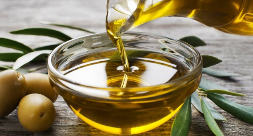 La Anmat prohibió el uso y compra de un queso muzzarella, un aceite de oliva, un té japonés y unas papas fritas