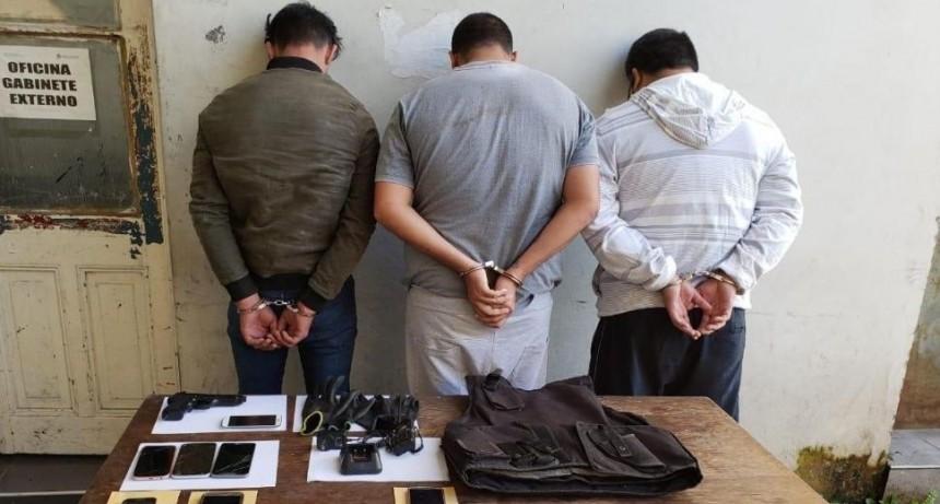 Atrapan a ladrones que protagonizaron asalto comando en banco de Santos Lugares