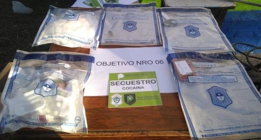 Cae banda narco con arsenal de armas, droga y juguetes sexuales