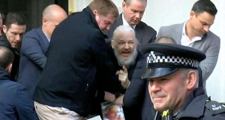 Wikileaks liberó todos sus archivos en la web tras el arresto de Julian Assange