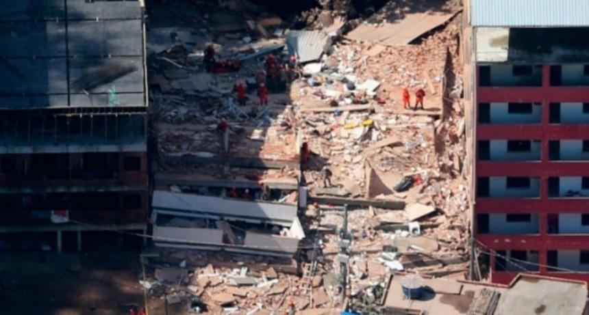 Ya son 20 los fallecidos por derrumbes en favela