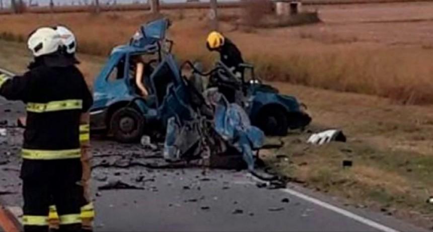 Córdoba: murieron tres personas y otras cuatro resultaron heridas en un choque frontal