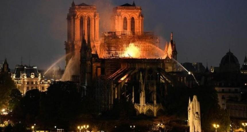 ¿Notre Dame ardió por el cigarro de un obrero?
