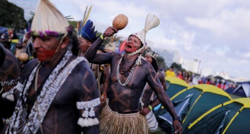 Brasil: las 15 postales de la protesta indígena contra Bolsonaro