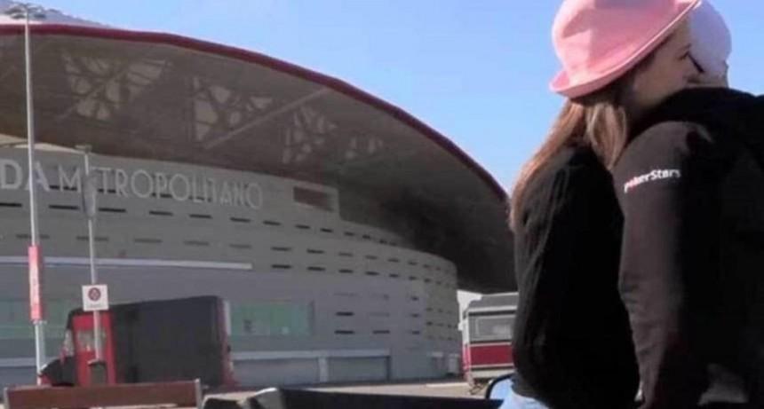 Filmaron porno en la cancha del Atlético de Madrid y acabaron en medio de la hinchada