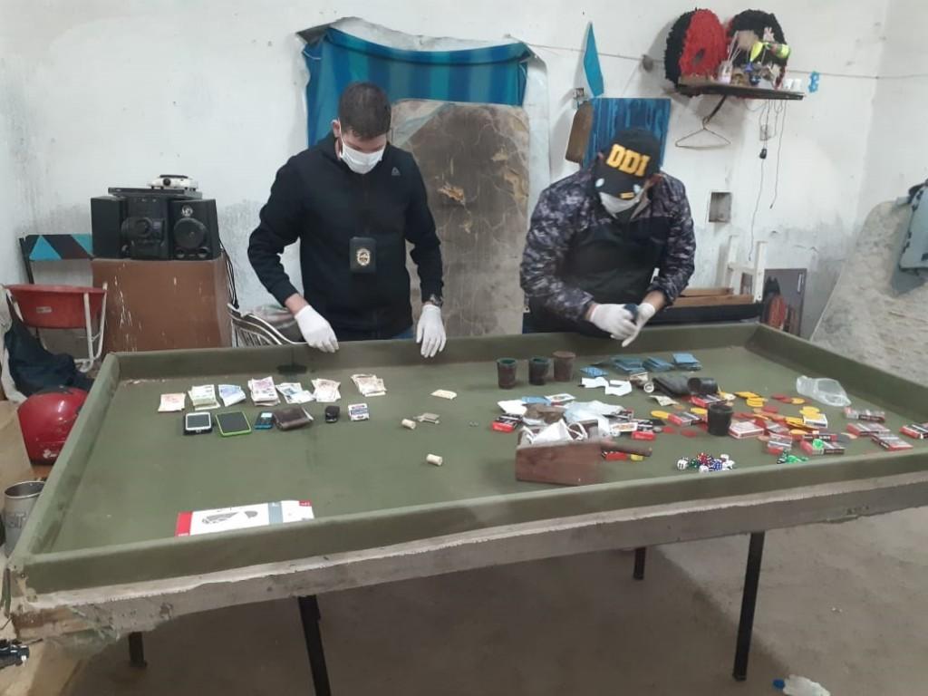 Villa Mercedes: 6 hombres y 1 mujer fueron detenidos en una reunión de juegos clandestinos