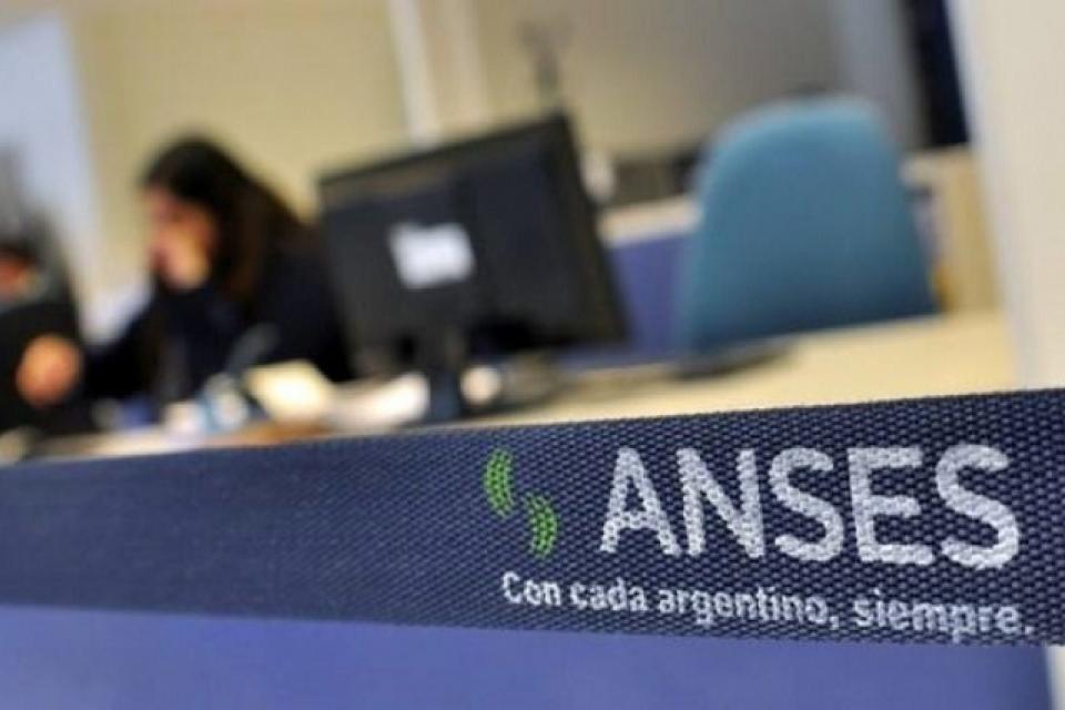 Ingeso Familiar de Emergencia: Anses empieza a depositar a los DNI terminados en 0