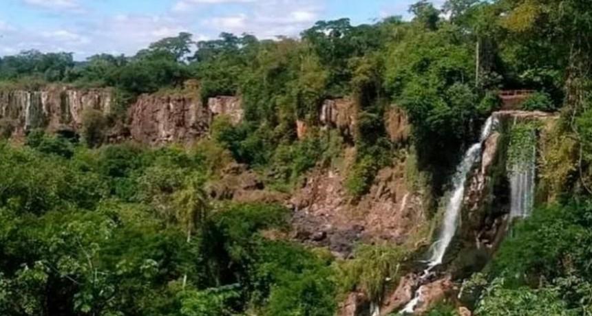 Las Cataratas del Iguazú sin agua y sin turistas por el coronavirus