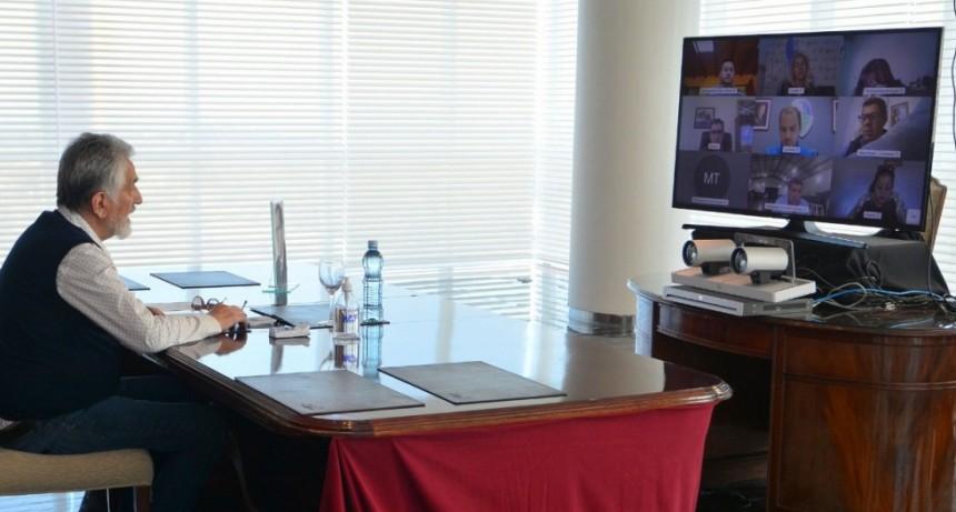 Coronavirus: el gobernador mantuvo una videoconferencia con todos los intendentes de la provincia