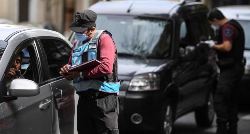Suspenden la emisión de permisos para argentinos varados dentro del país