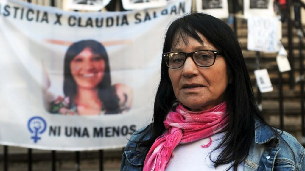 Asesinó a puñaladas a su mujer pero negó el femicidio porque él cocinaba en la casa