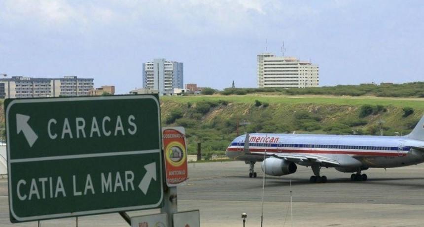 Venezuela prohíbe vuelos yanquis sobre su espacio aéreo y echa a empresas